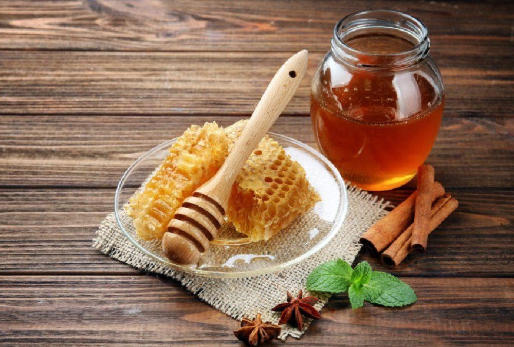 Entschlacken mit Honigmassage